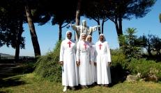 Suor Noëlie Zoungrana, Suor Melanie Doamba e Sr Melanie Bonou Yehouenou, insieme a Madre Zelia Andrighetti