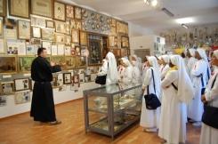 La sala con gi atestati di riconoscenza per la grazie ricevute da San Gabriele