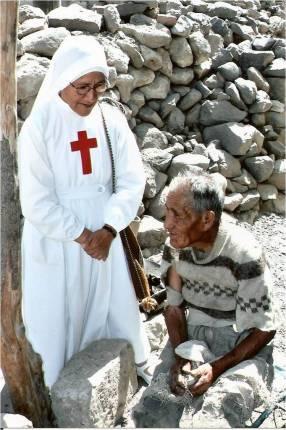 Sr Lucila Pando Taipe, siempre donandosi ai più poveri
